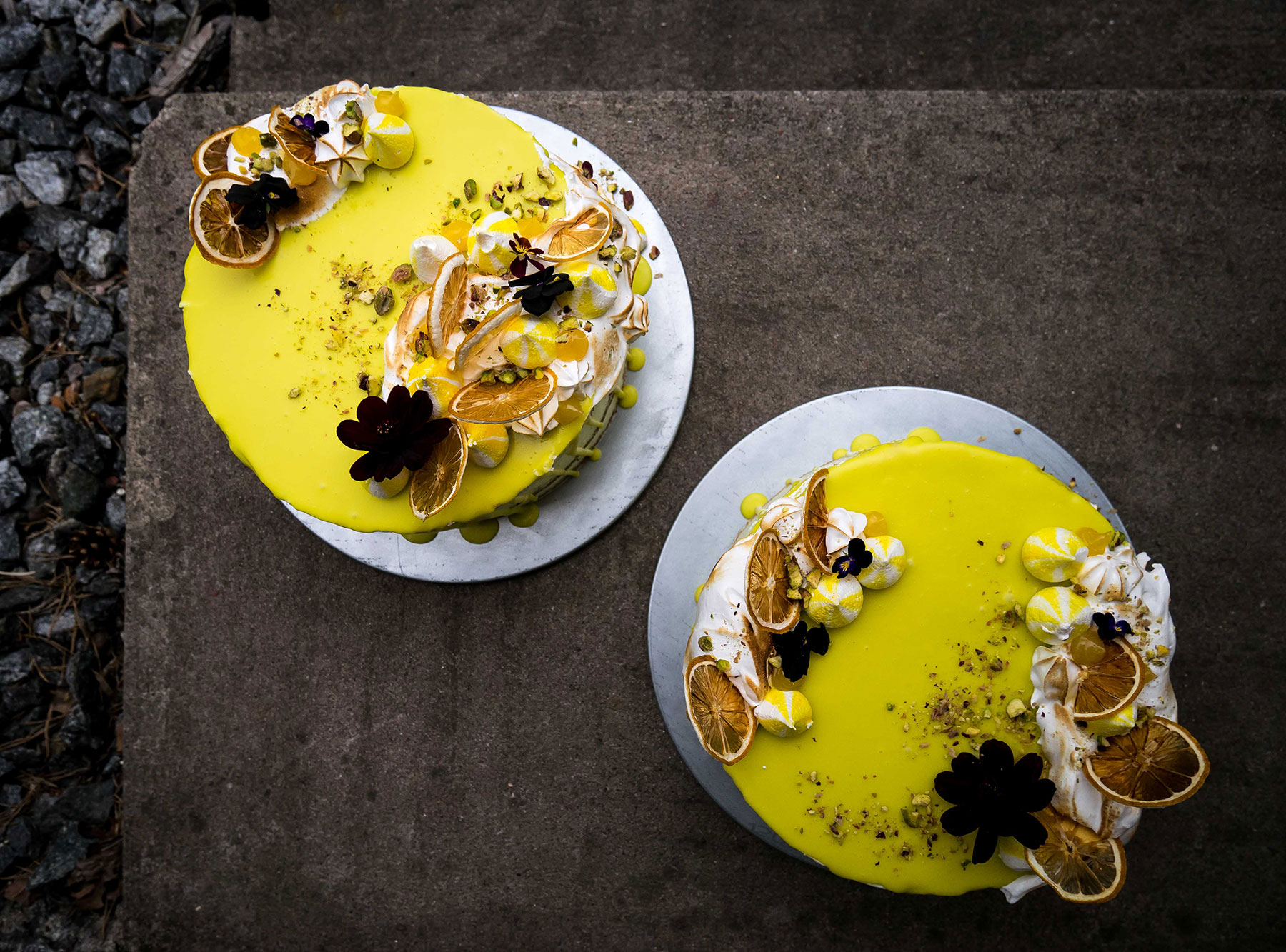 Lemon pistacchio birthday layer drip cake