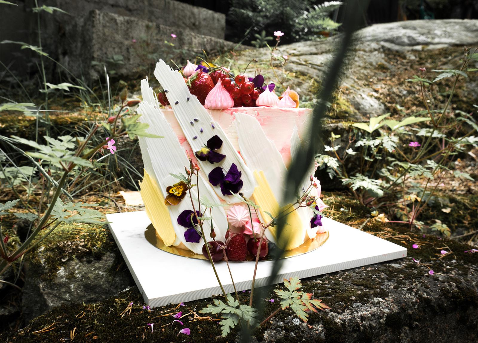 A cake for Louie Strawberry vanilla
